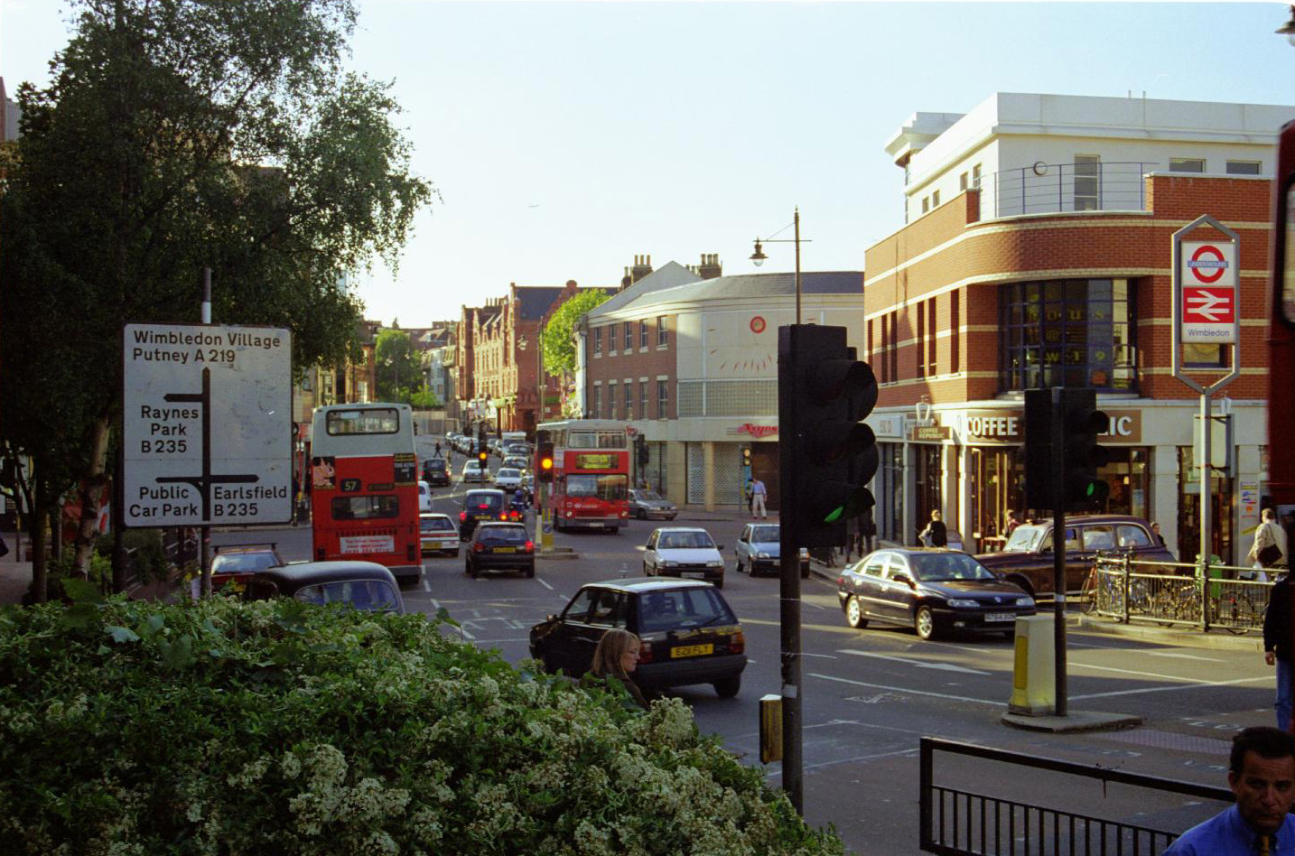 Wimbledon Hill Road - May 2000