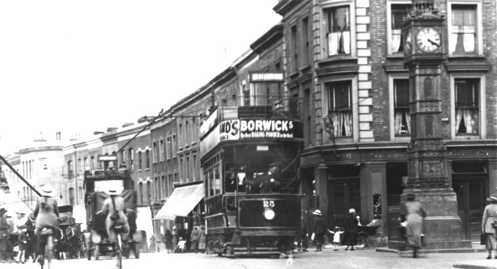 Trams in High Street, South Norwood
